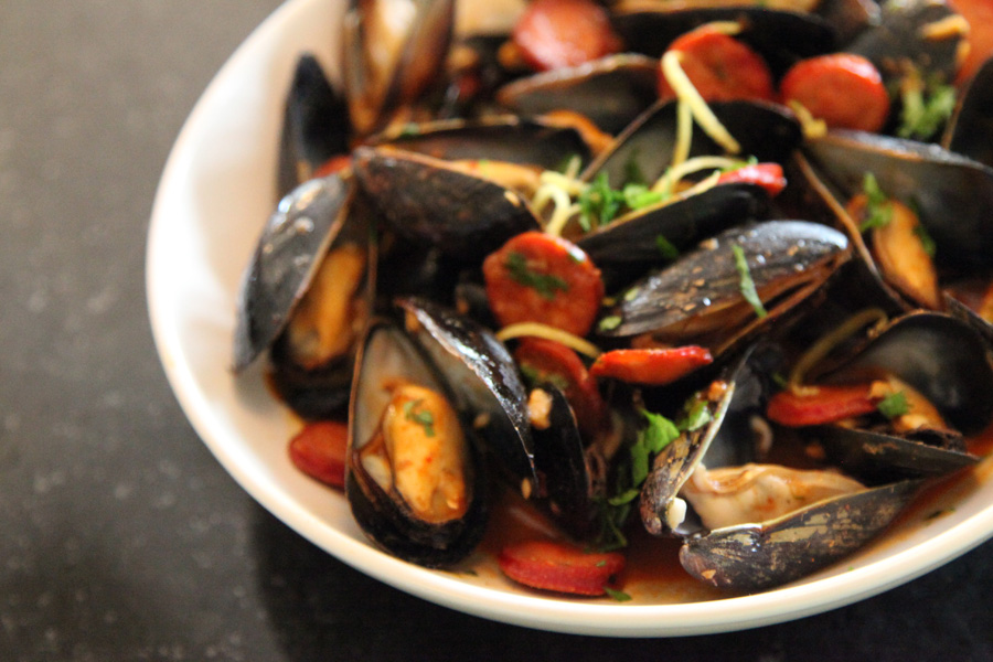 and garlic mussels with fennel and bacon smoked chile mussels